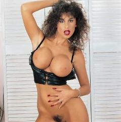 Sarah young pornodarstellerin
